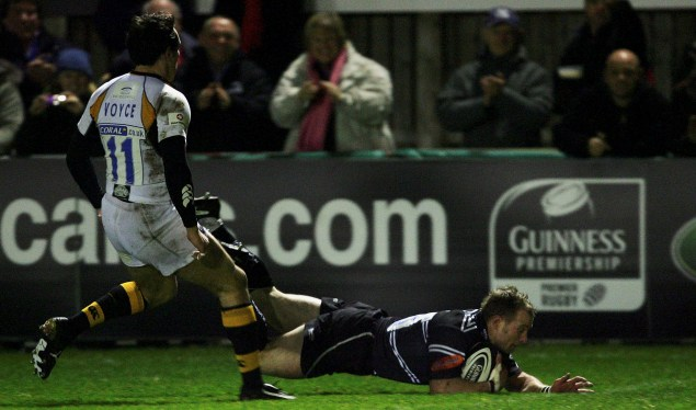 Five-try Falcons fly against Wasps