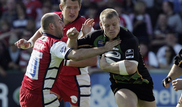 Gloucester win to top the table