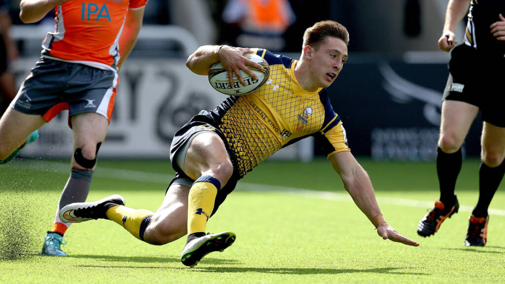 Worcester Warriors Academy star Josh Adams signs first-team deal