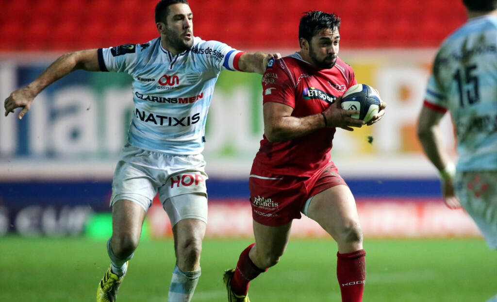 Gareth Owen adds experience to the Scarlets back line