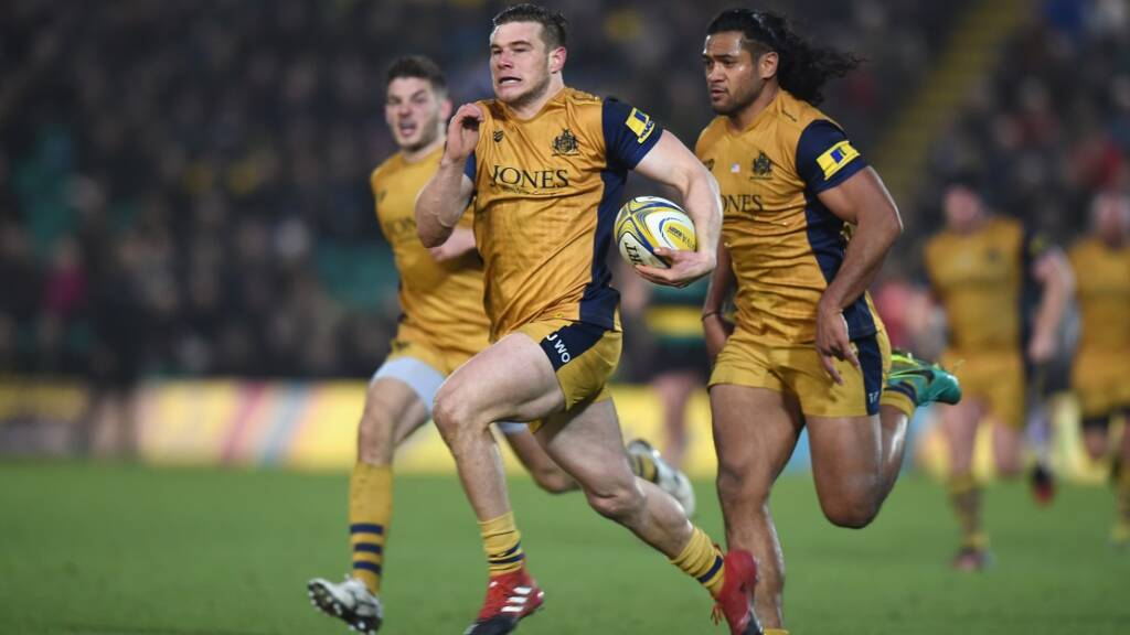 NORTHAMPTON, ENGLAND - JANUARY 07:  Jason Woodward of Bristol Rugby runs in to score a try  during the Aviva Premiership match between Northampton Saints and Bristol Rugby at Franklin's Gardens on January 7, 2017 in Northampton, England.  (Photo by Tony Marshall/Getty Images)