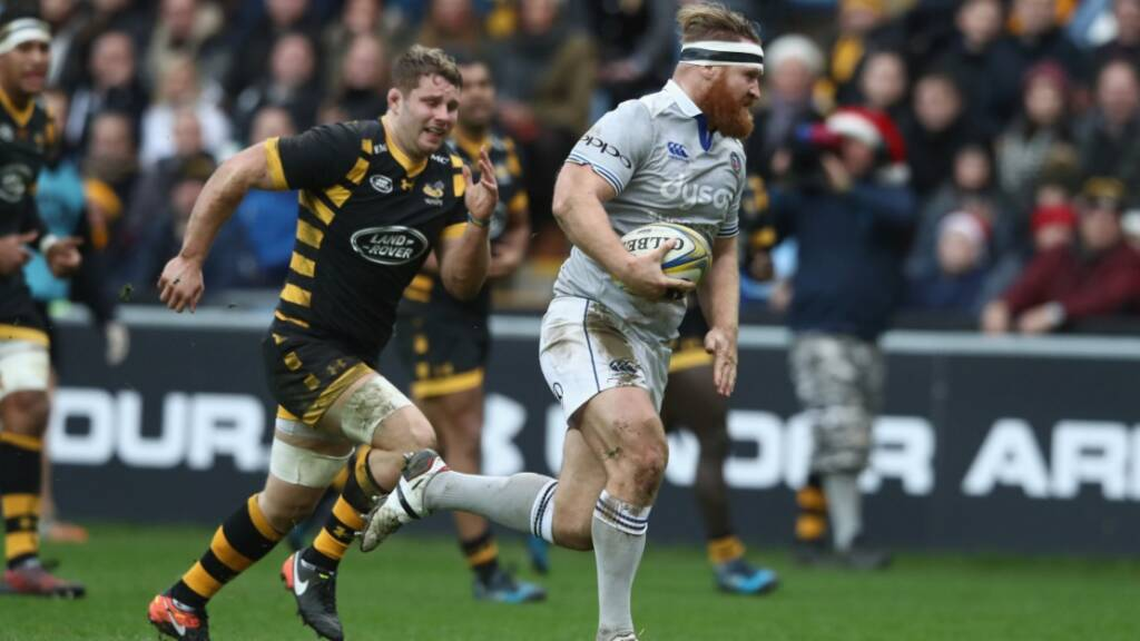 Ross Batty breaks away for a score against Wasps.