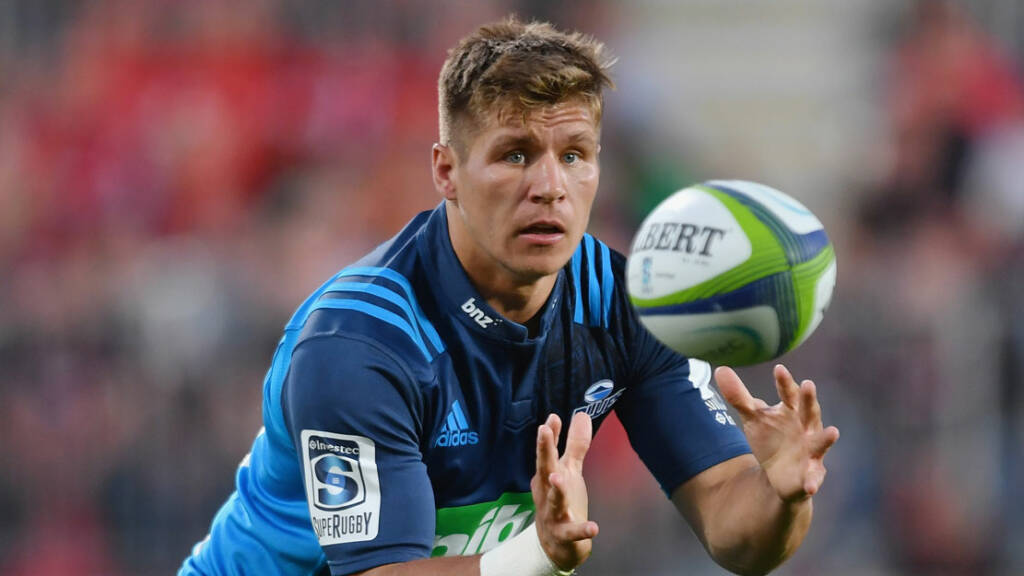 Northampton Saints sign Piers Francis from the Blues