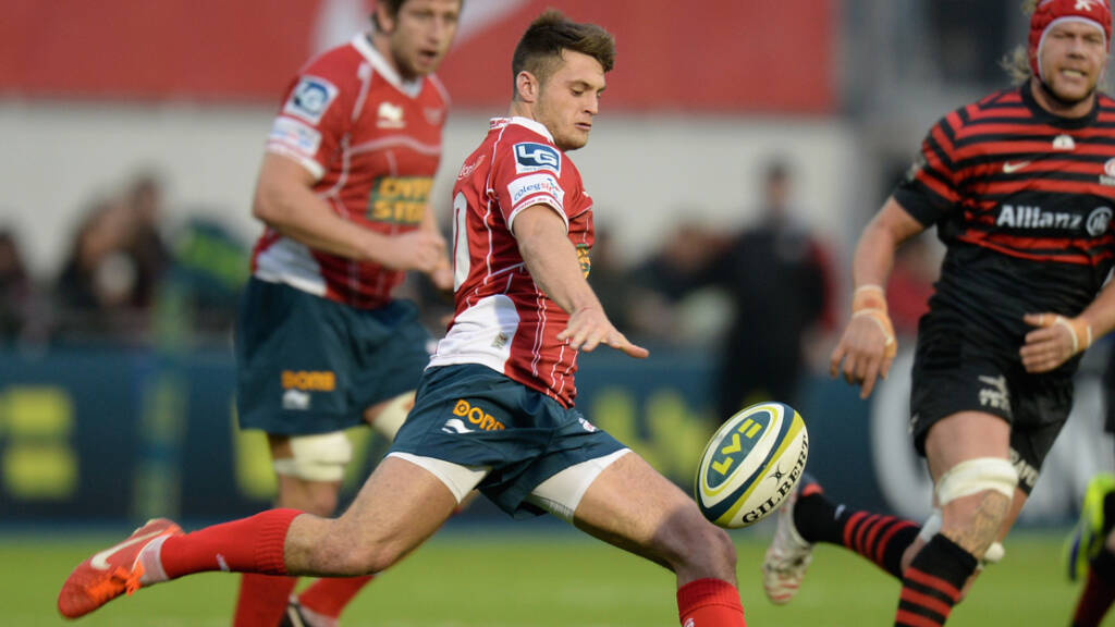 Fly-half Josh Lewis signs for Bath Rugby