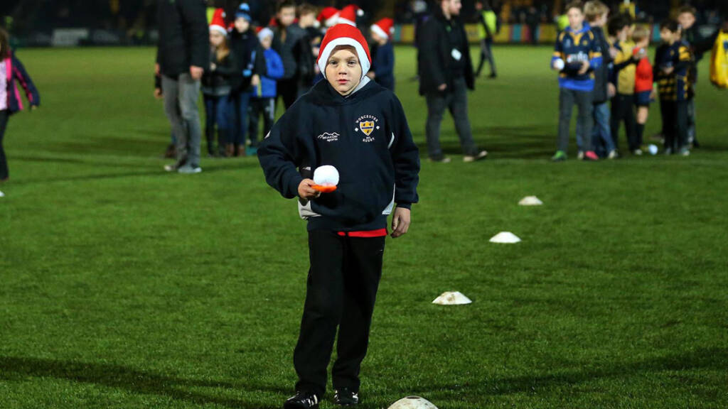 Worcester Warriors supporter with a Christmas hat