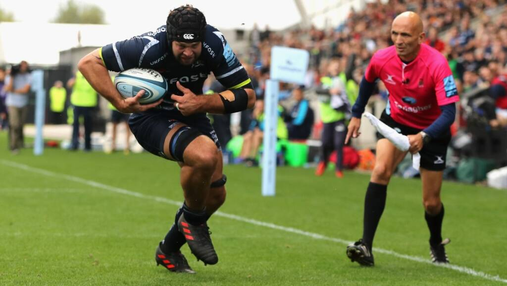 Beaumont signs Sharks extension