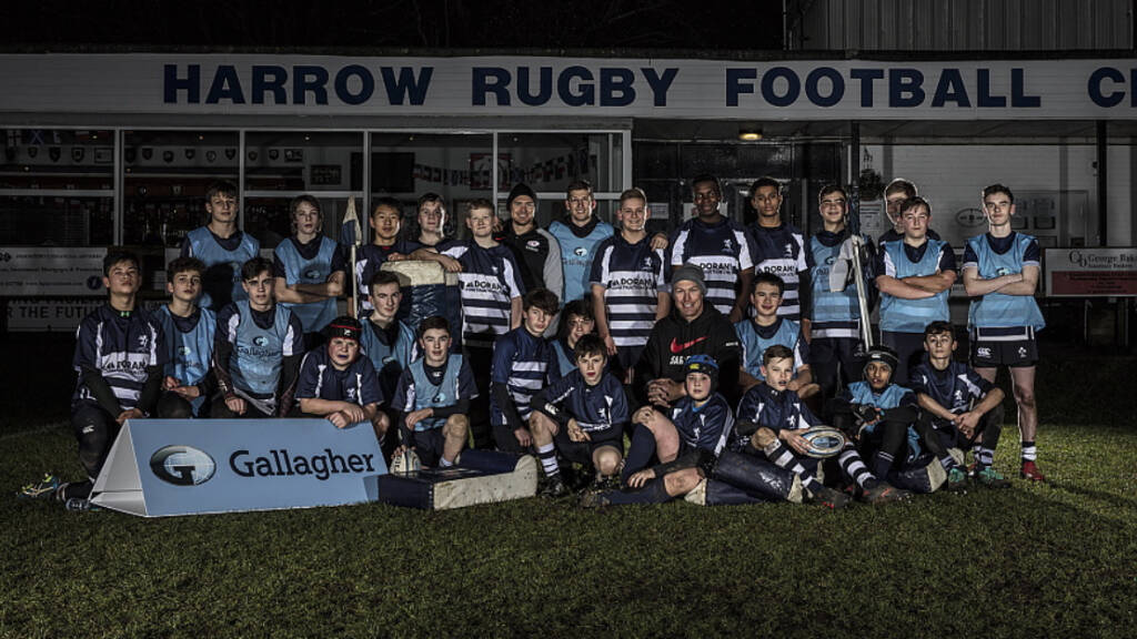 Saracens' Strettle trains Harrow U14s after Gallagher competition win