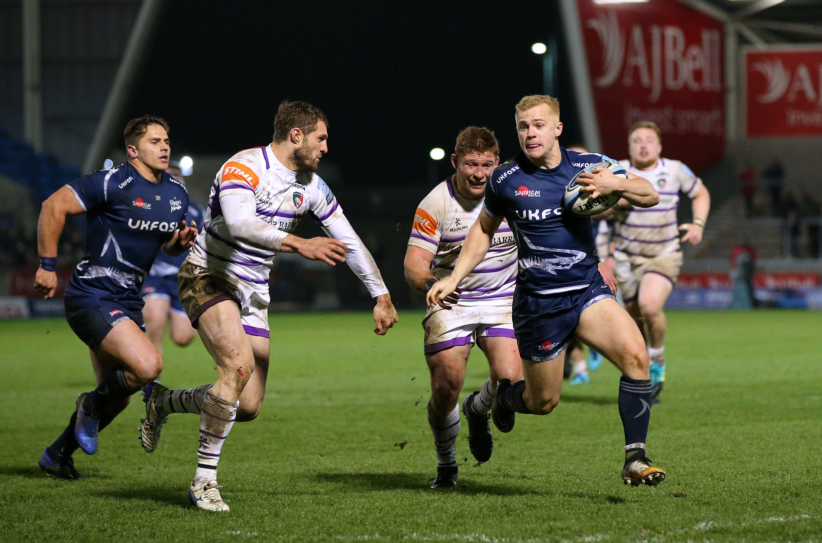 MATCH REPORT – SALE SHARKS 32 – 5 LEICESTER TIGERS