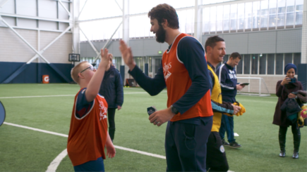 Sharks Stars Run rugby Session for Manchester Down's Syndrome Group