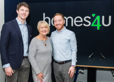 homes4u cements partnership with Sale Sharks