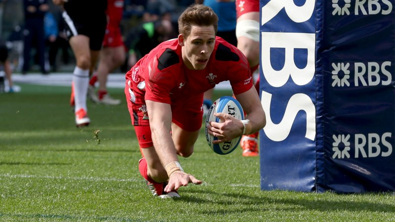 Williams in race against time to be fit for Wales opener