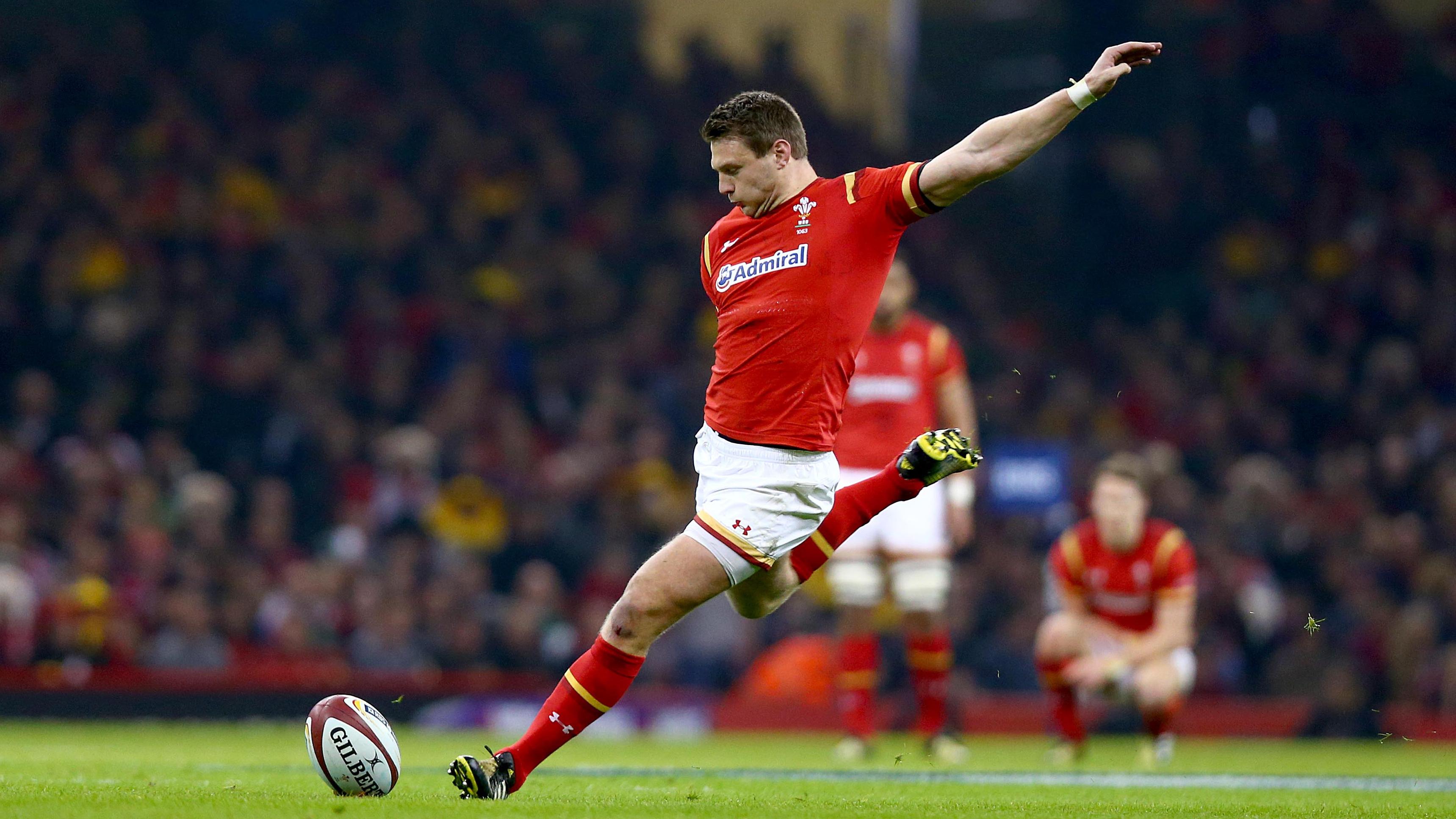 Wales' Biggar hailed after landmark points record