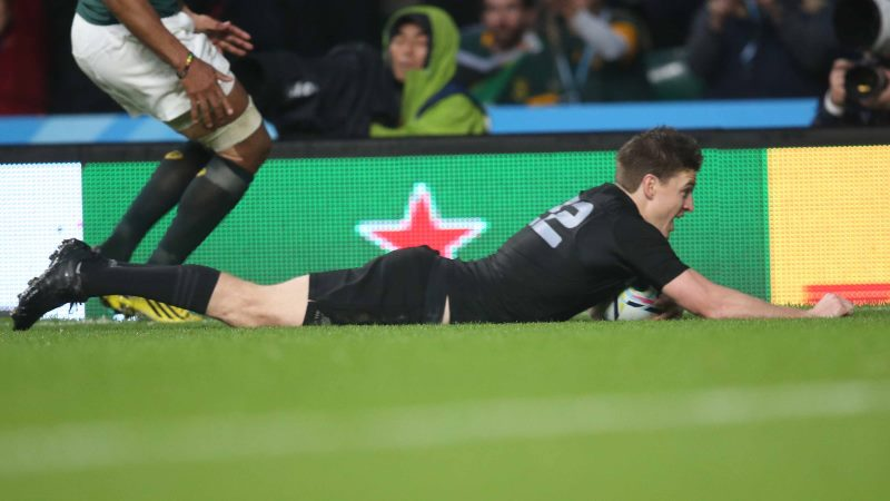 Hansen lauds McCaw as All Blacks march on to World Cup final