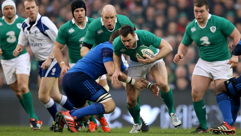 Ireland's Bowe could be back for RBS 6 Nations title defence