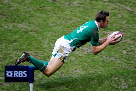 Bowe gets nod to cap remarkable comeback