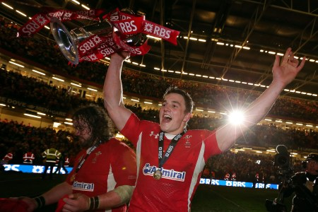 Gatland: Davies can fill void in centres