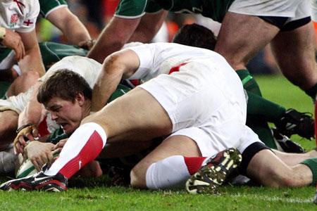 Unbeaten Ireland edge out England