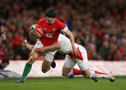 Halfpenny set for two-week injury lay-off