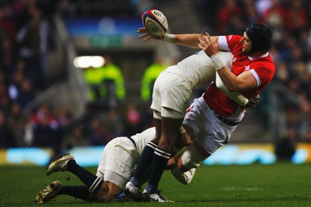 James to say sorry to Gatland