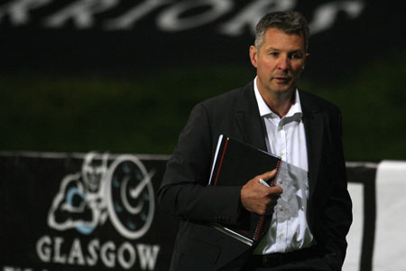 Lineen delays Cardiff pick