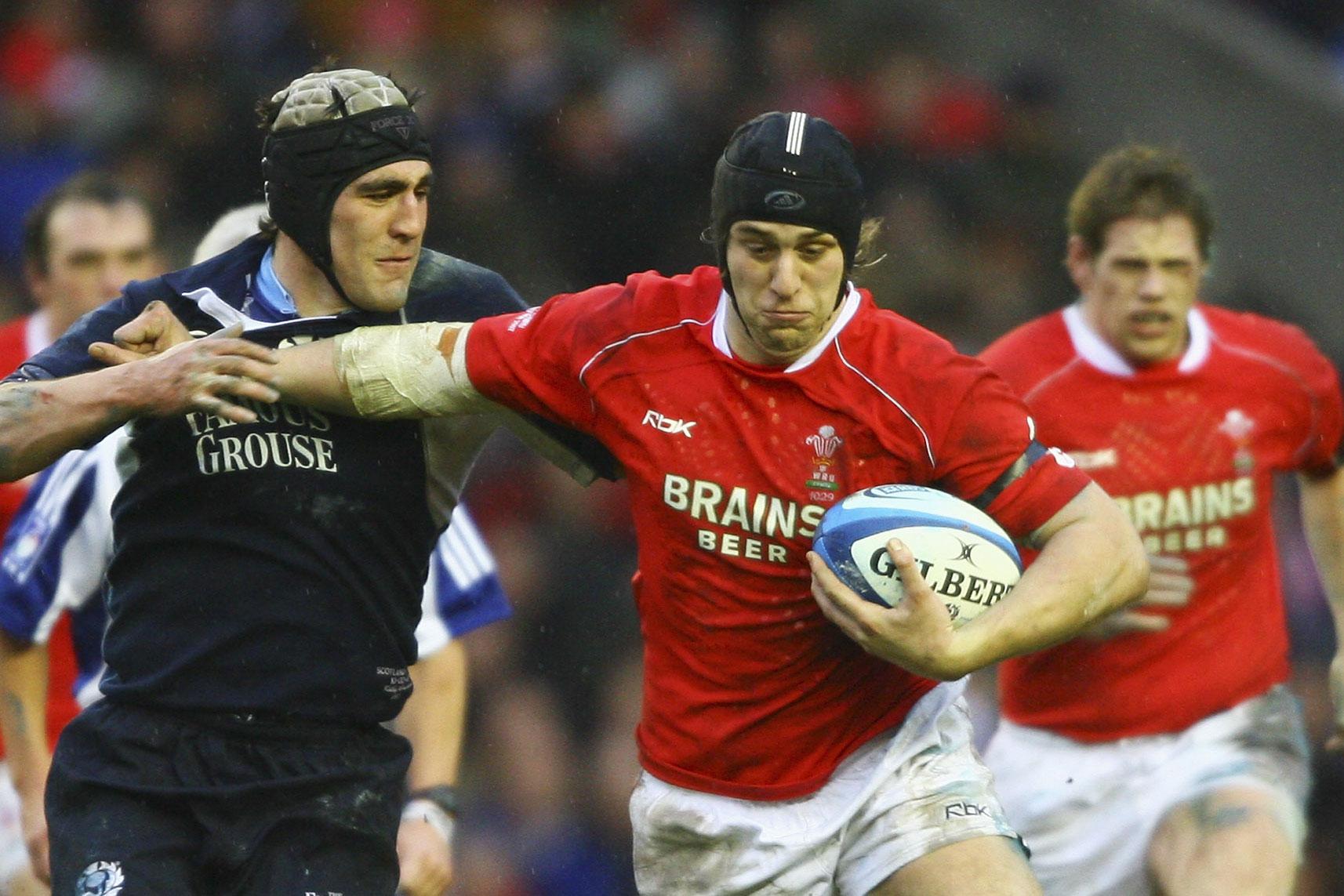 Jones announces Wales arrival