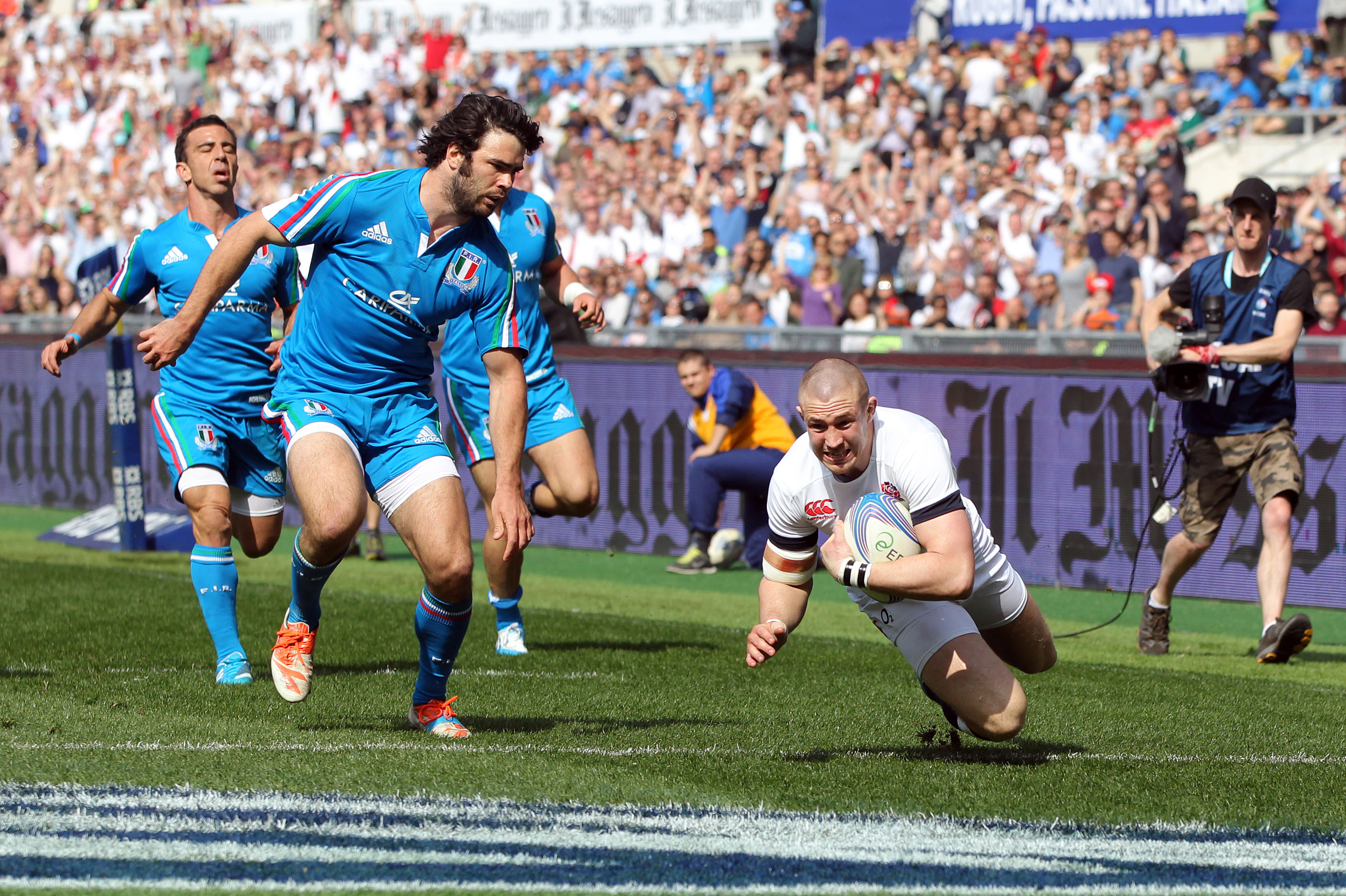 Mike Brown scores their first try 15/3/2014