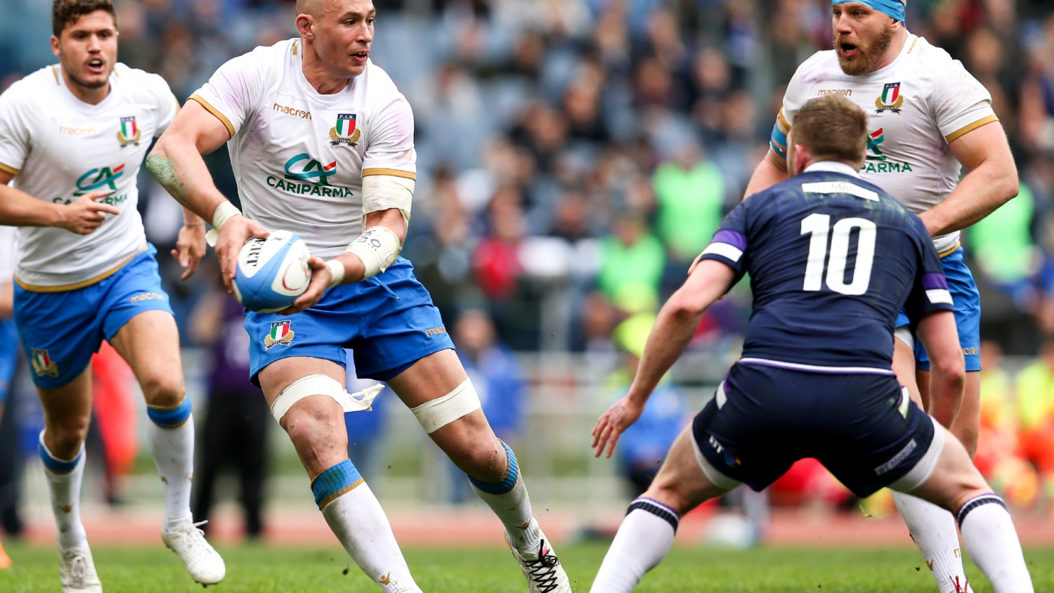 Kinghorn hat-trick fires Scotland past Italy