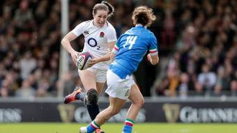 Scarratt stars as England move to top of Super Series with last-gasp win over France