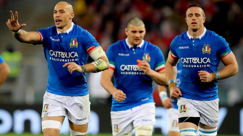 Italy impress with 13-try victory over Russia