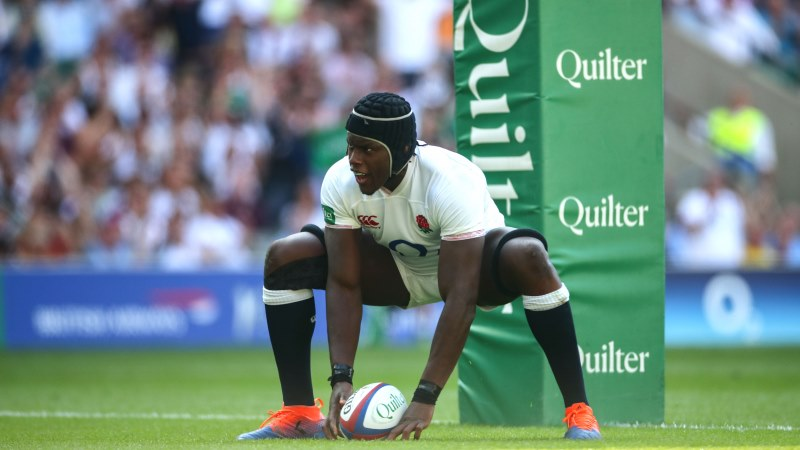 England run in eight tries in win over Ireland at Twickenham