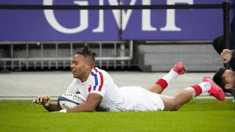 Second-half blitz sees France beat Italy to top Group B