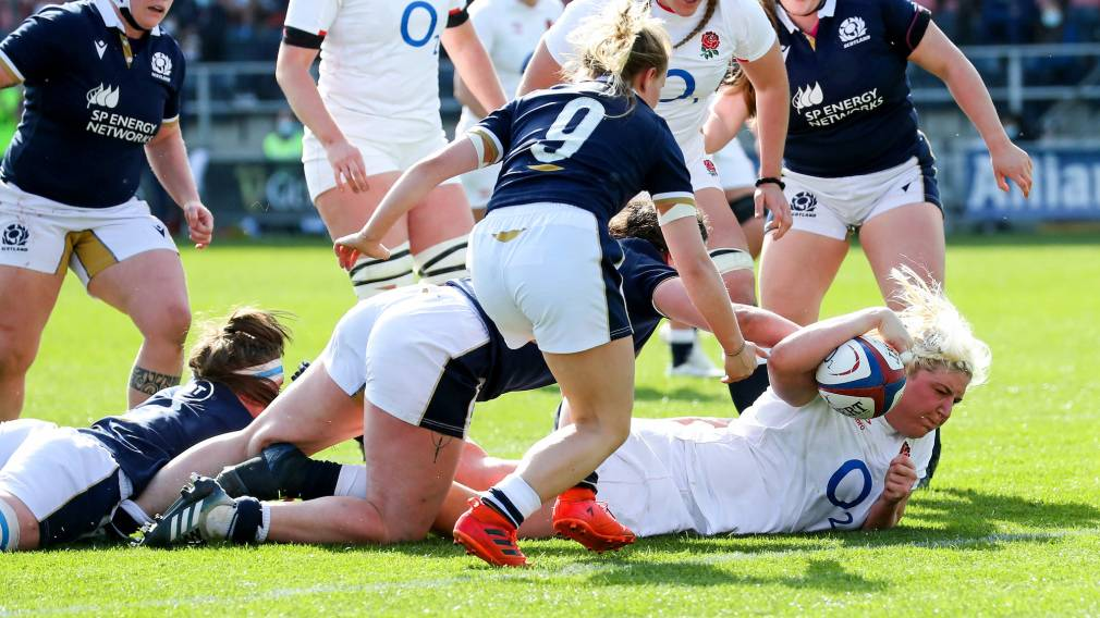 Bryony Cleall scores a try