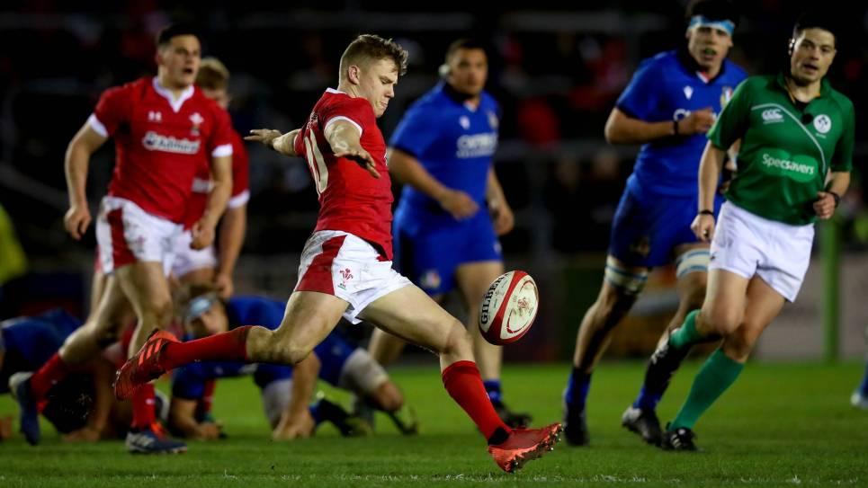 Sam Costelow Wales Under-20s v Italy