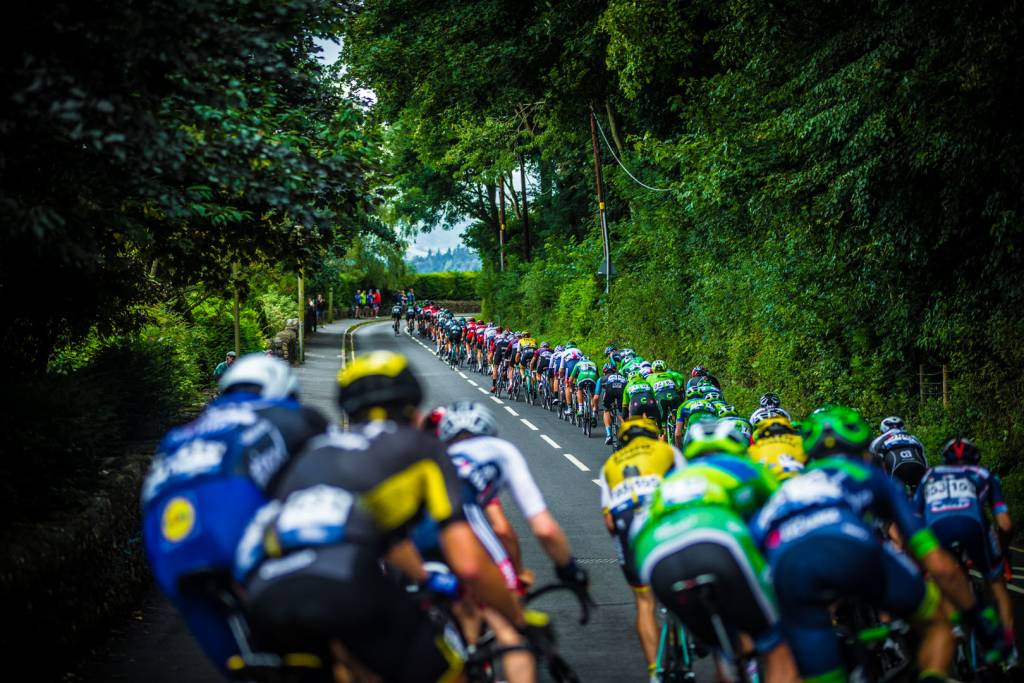 Peloton strung out