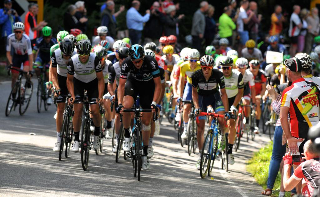 2016 Stage 5 Wales Peloton