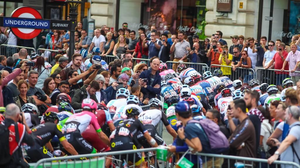 Tour of Britain London crowds