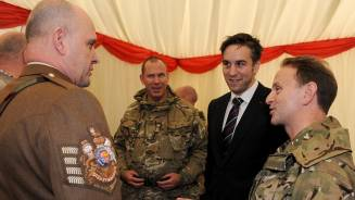 Ryan Jones supports Welsh Guards