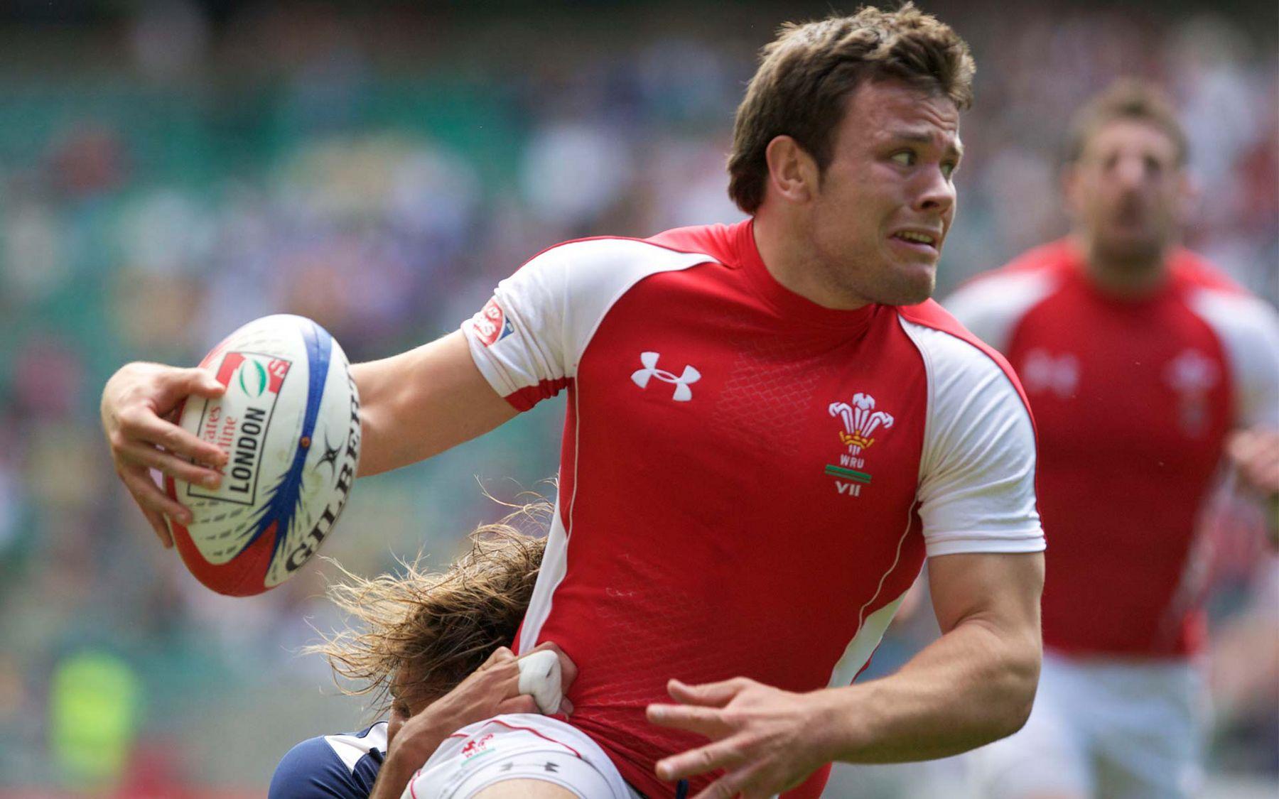 Thomas returns to skipper Wales