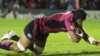 Formidable Blues hang on for narrow win