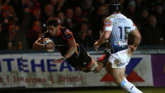 Defiant Dragons overcome Blues