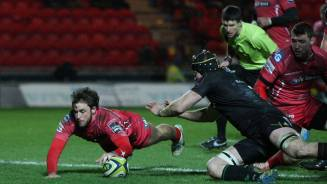 Owens returns in Scarlets win
