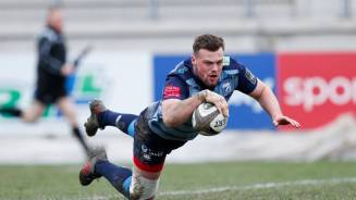 REPORT: Lane try clinches third win in a row for Blues