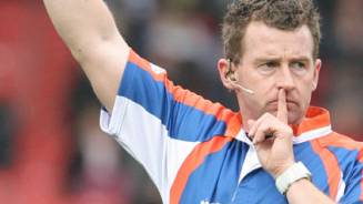 Ref Nigel Owens takes centre stage again