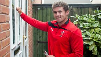 Ticket drop with Leigh Halfpenny