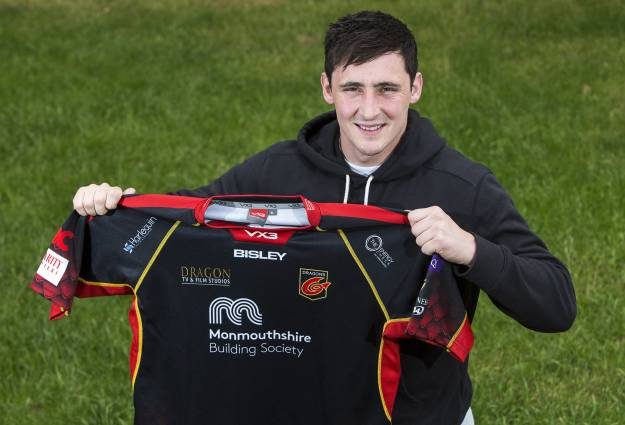 5b2dde39338 Welsh Rugby Union | Wales & Regions | Davies swaps Ospreys for Dragons
