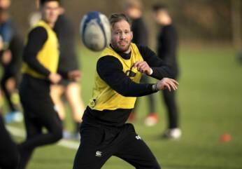 McKenzie to make Ospreys bow against French giants