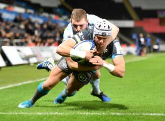 Evans sees red early as Ospreys beaten