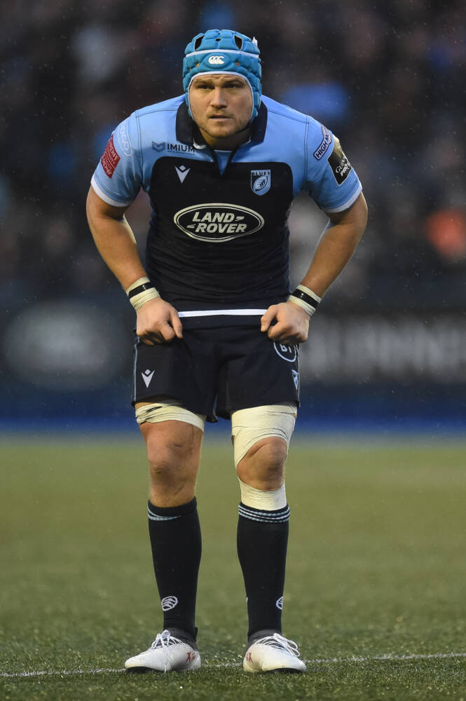 Robinson extends Cardiff Blues stay