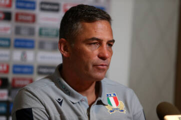 Italy name two playmakers for Cardiff clash