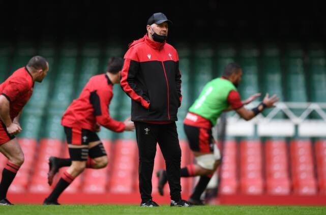 Wales name team to face Ireland in Cardiff